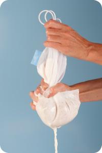 squeezing Nut Milk Bag
